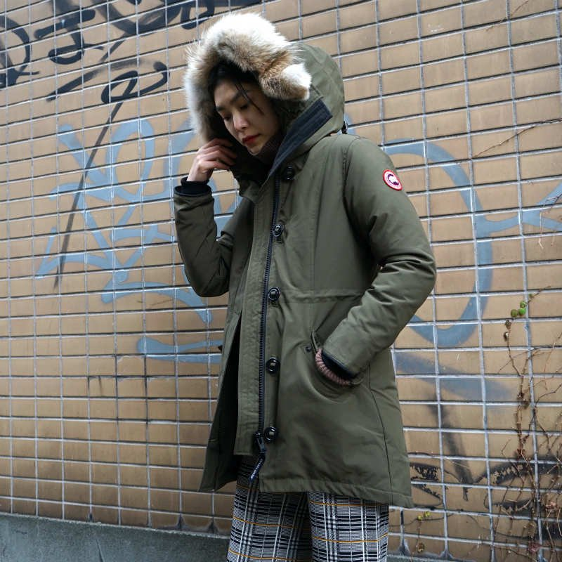 <img class='new_mark_img1' src='https://img.shop-pro.jp/img/new/icons6.gif' style='border:none;display:inline;margin:0px;padding:0px;width:auto;' />[CANADA GOOSE] カナダグース ROSSCLAIR PARKA FF 2580LA (KHAKI)
