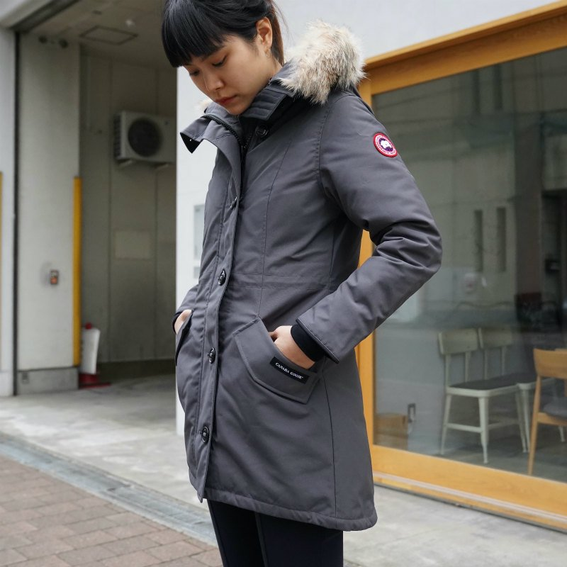 <img class='new_mark_img1' src='https://img.shop-pro.jp/img/new/icons6.gif' style='border:none;display:inline;margin:0px;padding:0px;width:auto;' />[CANADA GOOSE] カナダグース ROSSCLAIR PARKA FF 2580LA (D/GRAY)