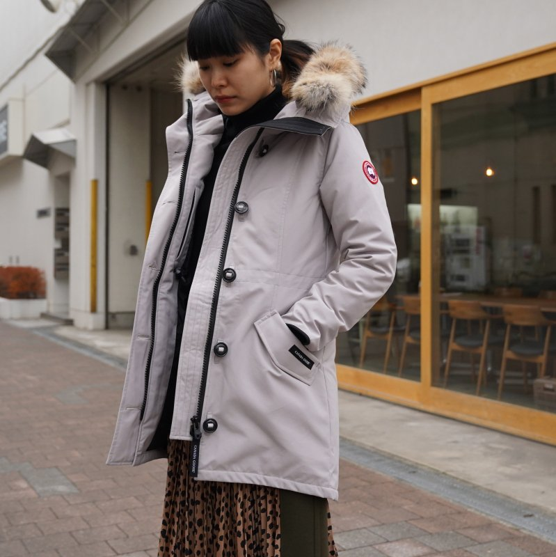<img class='new_mark_img1' src='https://img.shop-pro.jp/img/new/icons6.gif' style='border:none;display:inline;margin:0px;padding:0px;width:auto;' />[CANADA GOOSE] カナダグース ROSSCLAIR PARKA FF 2580LA (LIME STONE/BEIGE)