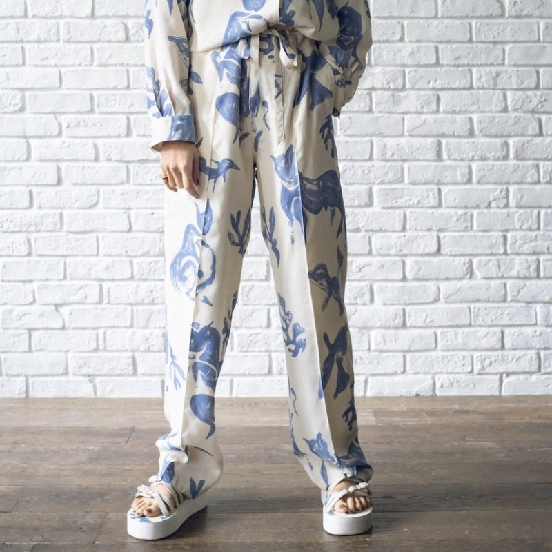 <img class='new_mark_img1' src='https://img.shop-pro.jp/img/new/icons6.gif' style='border:none;display:inline;margin:0px;padding:0px;width:auto;' />[WRYHT] ライト STRINGS WAIST TROUSER(NATURAL)