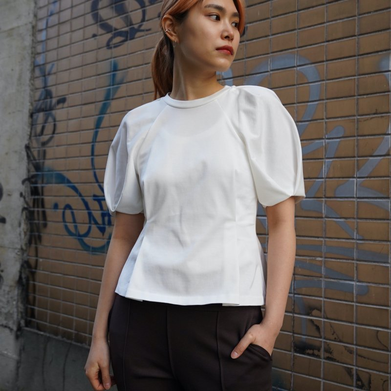 <img class='new_mark_img1' src='https://img.shop-pro.jp/img/new/icons6.gif' style='border:none;display:inline;margin:0px;padding:0px;width:auto;' />[PHEENY] フィーニー Tucked sleeve Tee(WHITE)
