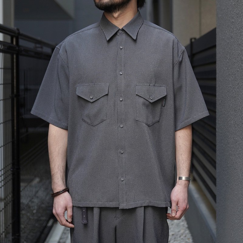 <img class='new_mark_img1' src='https://img.shop-pro.jp/img/new/icons8.gif' style='border:none;display:inline;margin:0px;padding:0px;width:auto;' />[O-] オー ELBOW SLEEVE SHIRT (Blue Gray)
