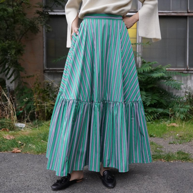 <img class='new_mark_img1' src='https://img.shop-pro.jp/img/new/icons6.gif' style='border:none;display:inline;margin:0px;padding:0px;width:auto;' />[PLAN C] プランシー LONG SKIRT(WHT/BLK STRIPES EMERALD)