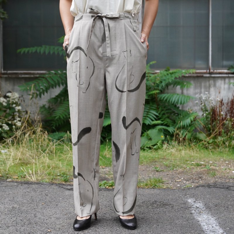 <img class='new_mark_img1' src='https://img.shop-pro.jp/img/new/icons6.gif' style='border:none;display:inline;margin:0px;padding:0px;width:auto;' />[WRYHT] STRINGS WAIST TROUSER(FOG)
