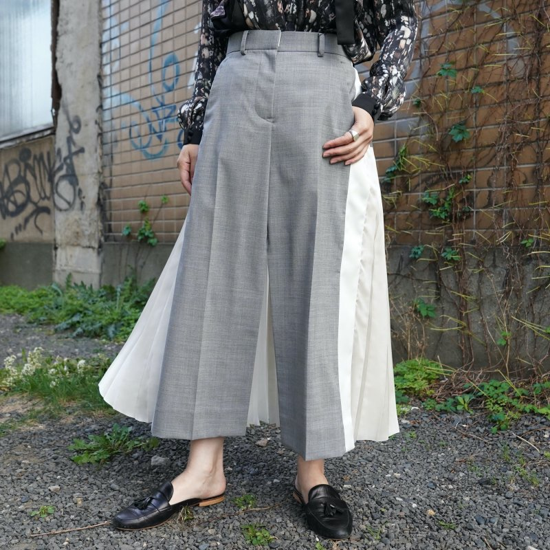 <img class='new_mark_img1' src='https://img.shop-pro.jp/img/new/icons6.gif' style='border:none;display:inline;margin:0px;padding:0px;width:auto;' />[sacai] サカイ21-05653 Suiting Mix Skirt(L/GRAY)