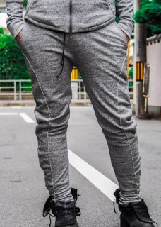 <img class='new_mark_img1' src='https://img.shop-pro.jp/img/new/icons8.gif' style='border:none;display:inline;margin:0px;padding:0px;width:auto;' />Acrylic Coated Track Pants - Gray