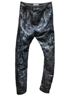 <img class='new_mark_img1' src='https://img.shop-pro.jp/img/new/icons8.gif' style='border:none;display:inline;margin:0px;padding:0px;width:auto;' />Black Thirty Pieces Irregular Cut Black Coated Stretch Denim Pants