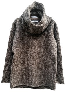 <img class='new_mark_img1' src='https://img.shop-pro.jp/img/new/icons8.gif' style='border:none;display:inline;margin:0px;padding:0px;width:auto;' />Snood Sliver Pullover Knit - Brown