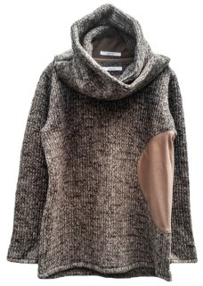 <img class='new_mark_img1' src='https://img.shop-pro.jp/img/new/icons8.gif' style='border:none;display:inline;margin:0px;padding:0px;width:auto;' />Circular Cut Snood Sliver Pullover Knit - Brown