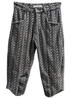 <img class='new_mark_img1' src='https://img.shop-pro.jp/img/new/icons8.gif' style='border:none;display:inline;margin:0px;padding:0px;width:auto;' />Easy Pile Knee Cut Cropped Knit Slim Pants - Black×White