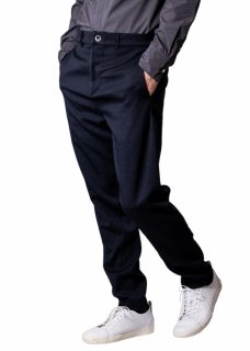 <img class='new_mark_img1' src='https://img.shop-pro.jp/img/new/icons14.gif' style='border:none;display:inline;margin:0px;padding:0px;width:auto;' />Zero Water-repellent Easy Trousers - Navy