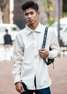 <img class='new_mark_img1' src='https://img.shop-pro.jp/img/new/icons14.gif' style='border:none;display:inline;margin:0px;padding:0px;width:auto;' />Warm Comfortable Pullover Stretch Shirt - Off White