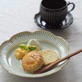 鎬(しのぎ) 輪花リム皿 / 6.5寸