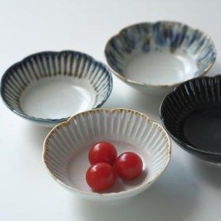 鎬(しのぎ) 輪花鉢 / 4寸