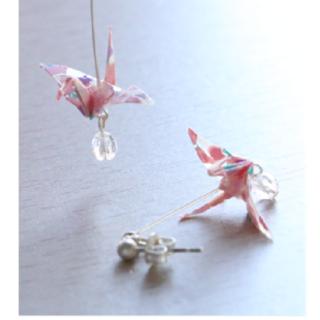 本美濃紙のピアス「カミノシゴト」 Crane sakura pink  (鶴)