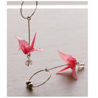 本美濃紙のイヤリング「カミノシゴト」 Crane pink (鶴)