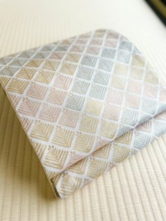 洛風林謹製 白地 松菱 桜・水・黄 袋帯