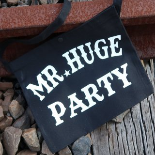 MR.HUGE  LOGO MINI PRINTED CANVAS SACOCHE(ロゴ ミニ プリント キャンバス サコシュ)PARTY BLACK