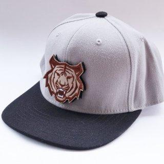 MR.HUGE TIGER WAPPEN 6PANEL CAP(タイガー ワッペン 6パネル キャップ)グレー