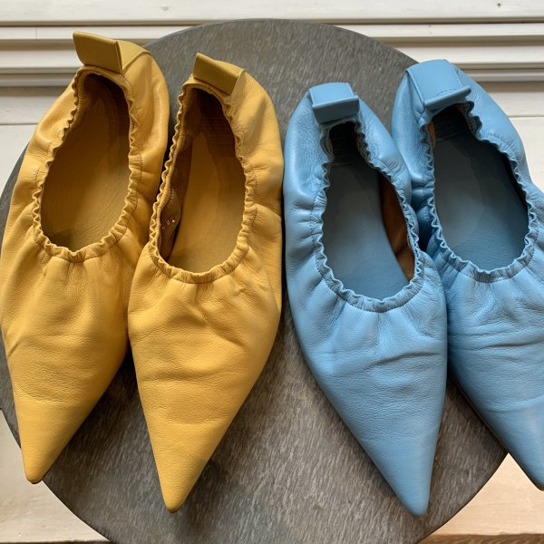 <img class='new_mark_img1' src='https://img.shop-pro.jp/img/new/icons2.gif' style='border:none;display:inline;margin:0px;padding:0px;width:auto;' />〈MAISON EUREKA〉POINTED BALLET SHOES