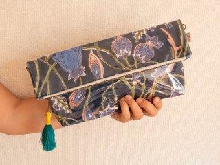 インドコットン大花(紺)防滴ポーチ(大)肩掛け紐付き