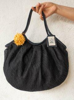 【ご予約商品:お届けは10月7日(木)前後の予定です】大人ブラックxお花コサージュグラニーバッグ 定番サイズ