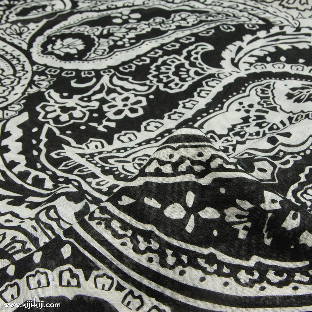 【sale】Paisley Linen Gauze|ペイズリーデザイン|リネンシングルガーゼ|リネン生地|ブラック|<img class='new_mark_img2' src='https://img.shop-pro.jp/img/new/icons20.gif' style='border:none;display:inline;margin:0px;padding:0px;width:auto;' />