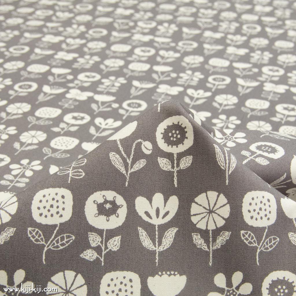 【cotton】nordico flowers ノルディコフラワー コットンオックス 北欧風デザイン 花柄生地 グレー <img class='new_mark_img2' src='https://img.shop-pro.jp/img/new/icons5.gif' style='border:none;display:inline;margin:0px;padding:0px;width:auto;' />