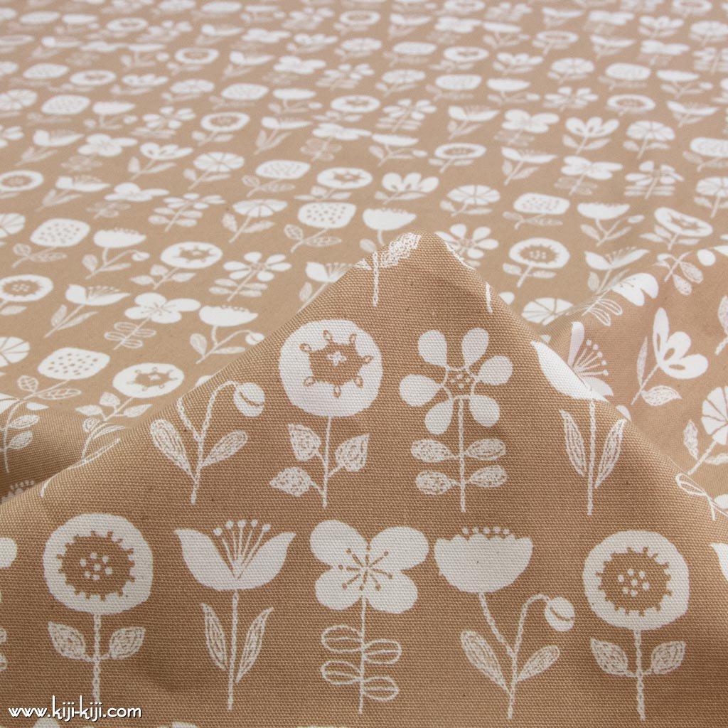 【cotton】nordico flowers ノルディコフラワー コットンオックス 北欧風デザイン 花柄生地 ベージュ <img class='new_mark_img2' src='https://img.shop-pro.jp/img/new/icons5.gif' style='border:none;display:inline;margin:0px;padding:0px;width:auto;' />