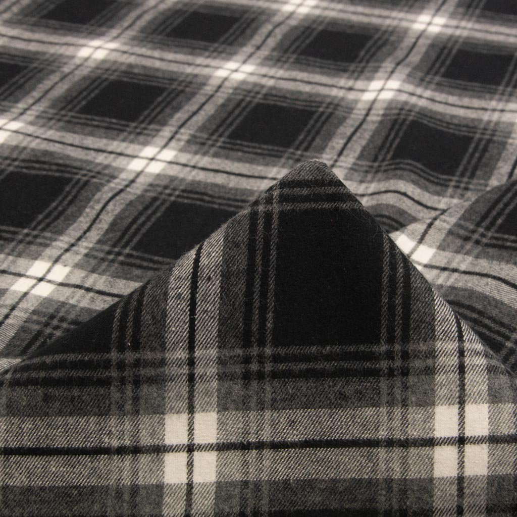 【sale】【cotton】flannel check natural stretch 135cm巾 ネルチェックナチュラルストレッチ ブラック×グレー <img class='new_mark_img2' src='https://img.shop-pro.jp/img/new/icons20.gif' style='border:none;display:inline;margin:0px;padding:0px;width:auto;' />