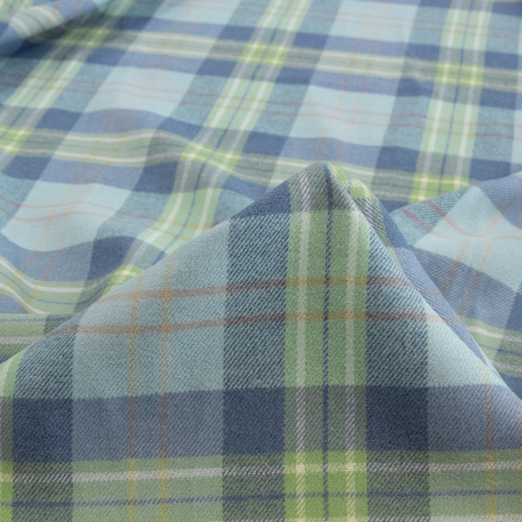 【sale】【cotton / rayon】 funwari brushed check ふんわり起毛チェック 145cm コットンレーヨン ブルーミント <img class='new_mark_img2' src='https://img.shop-pro.jp/img/new/icons20.gif' style='border:none;display:inline;margin:0px;padding:0px;width:auto;' />