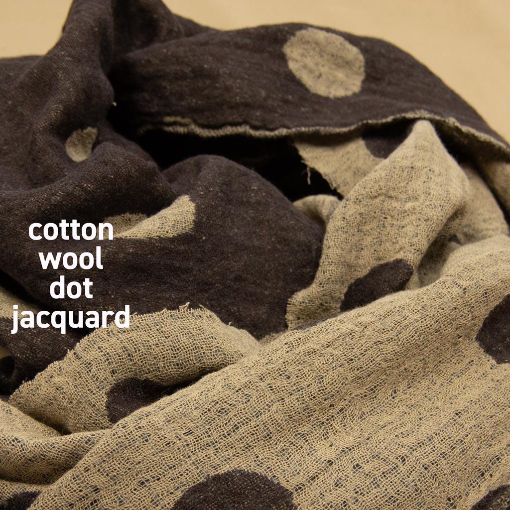 【コットンウール】cotton wool dot jacquard ふんわりコットンウール2重織ドットジャガード 日本製 ブラウンベージュ <img class='new_mark_img2' src='https://img.shop-pro.jp/img/new/icons5.gif' style='border:none;display:inline;margin:0px;padding:0px;width:auto;' />