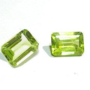 《宝石質》ペリドット(AAA) エメラルドカット(穴なし)7X5X3mm【1個】
