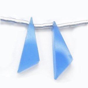 《宝石質》 ブルーカルセドニー (AAA) フラット トライアングル 20X6X3mm 【1個】