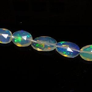 《宝石質》 オパール (AAA) フラットタンブルカット(Sサイズ) 6-7.5mm 【1個】 《人生に幸福感をもたらす石》