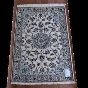 ペルシャ絨毯 ナイン産 約120x83cm