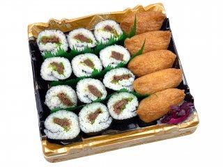 A5黒毛和牛肉巻き寿司と稲荷寿司盛り