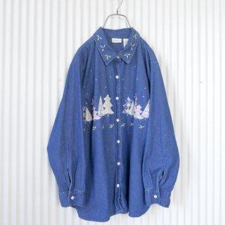 シャーベットカラーツリーと柊刺繍のデニムシャツ