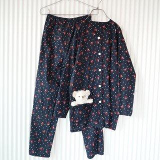 小さなブタさんと風船のパジャマセットアップ