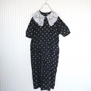 大きなフラワーレース襟のワンピース/Black