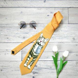 マウスをつかまえた猫ちゃんのネクタイ
