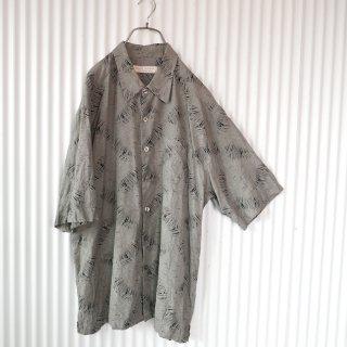 ボタニカルパターンBIGシャツ