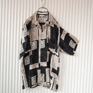 Elephant ネイティブパターンシャツ