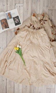 アンティーク刺繍ボリュームテイアードスカート