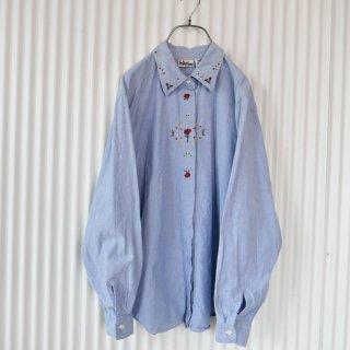 CARIN CREEK ローズ刺繍デニムシャツ