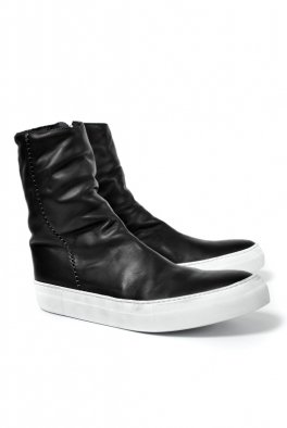 <img class='new_mark_img1' src='https://img.shop-pro.jp/img/new/icons8.gif' style='border:none;display:inline;margin:0px;padding:0px;width:auto;' />linea_f by incarnation HORSE LEATHER SIDE ZIP SNEAKER