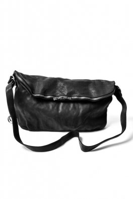 <img class='new_mark_img1' src='https://img.shop-pro.jp/img/new/icons8.gif' style='border:none;display:inline;margin:0px;padding:0px;width:auto;' />incarnation Buffalo Leather 3WAY Shoulder Bag