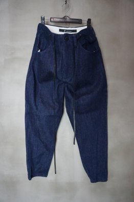<img class='new_mark_img1' src='https://img.shop-pro.jp/img/new/icons23.gif' style='border:none;display:inline;margin:0px;padding:0px;width:auto;' />A.F ARTEFACT Denim Pants