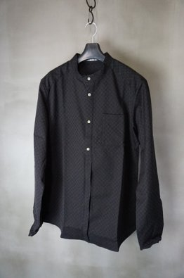 <img class='new_mark_img1' src='https://img.shop-pro.jp/img/new/icons23.gif' style='border:none;display:inline;margin:0px;padding:0px;width:auto;' />individual sentiments Dobby cotton Band collar Shirt