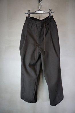 DEVOA Baggy cropped pants sculptured wool gabardine
